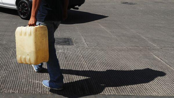 Из-за дефицита бензина мексиканские военные взяли под контроль НПЗ