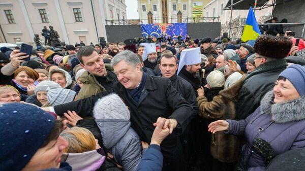 Президент Украины Петр Порошенко во время тура по городам в Виннице. 13 января 2019