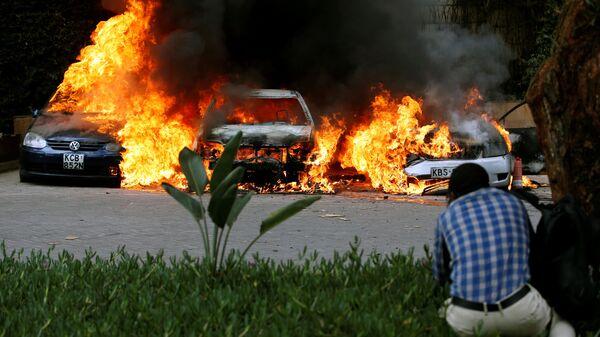 На месте взрыва рядом с отелем в Найроби, Кения. 15 января 2019