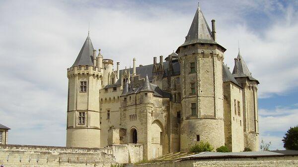 Замок Сомюр в департаменте Мен и Луара Франции