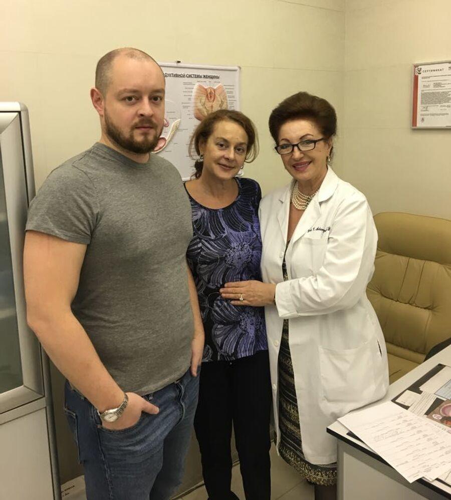 Лейла Адамян с бывшей пациенткой Мариной, которую спасли лишь чудом