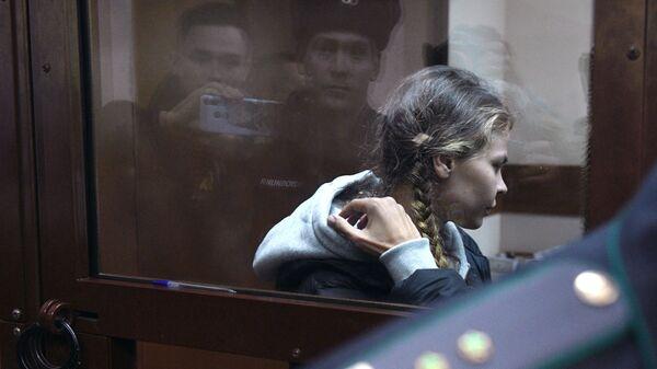 Избрание меры пресечения Насте Рыбке и Алексу Лесли на заседании Нагатинского суда. 19 января 2019