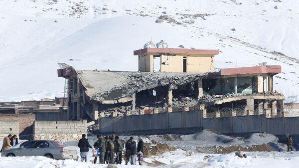 Разрушенное взрывом здание военной базы Вардак в Афганистане. 21 января 2019