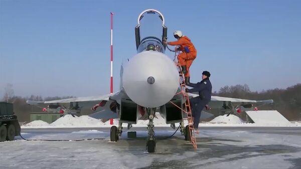 Скриншот видео перехвата истребителем Су-27 самолета-разведчика Гольфстрим ВВС Швеции