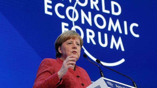Канцлер Германии Ангела Меркель выступает на Всемирном экономическом форуме в Давосе, Швейцария. 23 января 2019