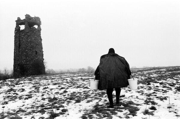 Борис Регистер. Метамарфоз (у башни Бисмарка). Черняховск, Калининградская область, 2016. Собрание МАММ
