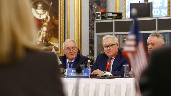 Заместитель министра иностранных дел России Сергей Рябков во время встречи представителей стран ядерной пятерки в Пекине