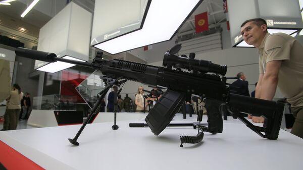 Ручной пулемет Калашникова РПК-16 на выставке в рамках международного военно-технического форума Армия-2017