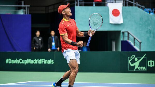 Китайский теннисист Ли Чжэ