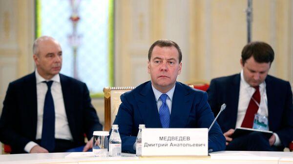 Председатель правительства РФ Дмитрий Медведев на заседании Евразийского межправительственного совета в Алма-Ате. 1 февраля 2019