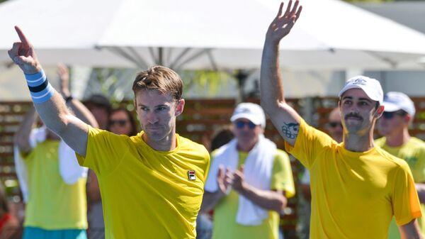 Джон Пирс и Джордан Томпсон (слева направо)