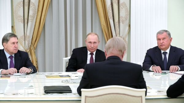 Президент РФ Владимир Путин во время встречи с генеральным директором BP Робертом Дадли. 7 февраля 2019