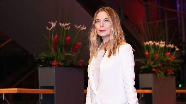 Австрийская актриса Нора фон Вальдштеттен на красной дорожке церемонии открытия 69-го Берлинского международного кинофестиваля Берлинале - 2019