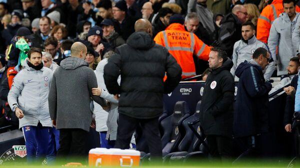 Главный тренер Манчестер Сити Хосеп Гвардиола и главный тренер Челси Маурицио Сарри