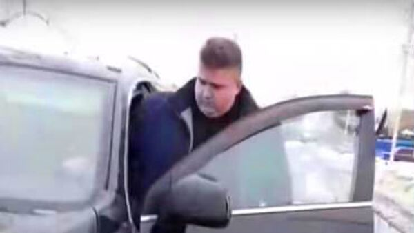 Стоп-кадр видеозаписи разговора жителей поселка Суземки Брянской области с чиновником