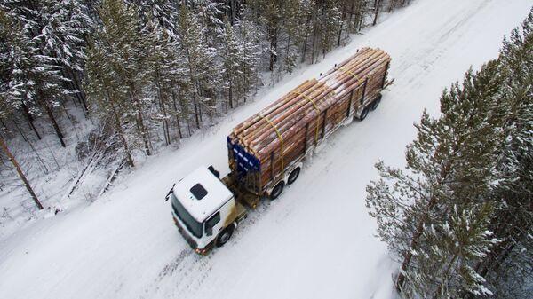 Лесовоз в Красноярском крае