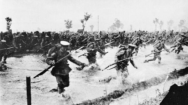 Наступление японской пехоты на русские линии в Азии, 1904 год