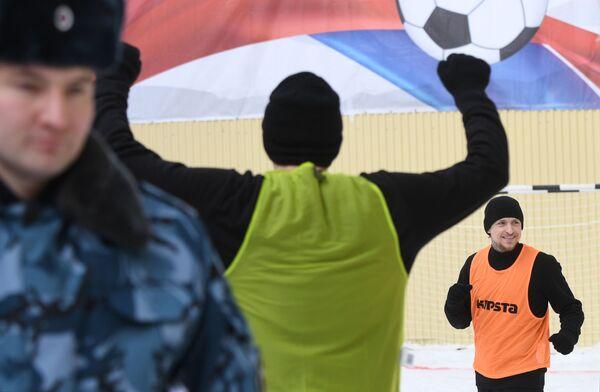 Игрок ФК Краснодар Павел Мамаев во время футбольного матча между заключенными московского СИЗО Бутырка