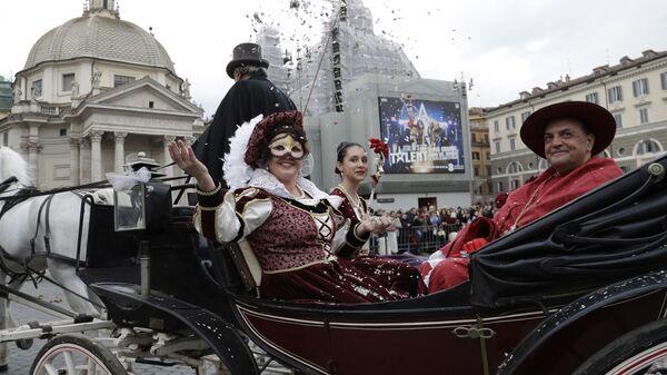 Участники карнавала в Риме, Италия