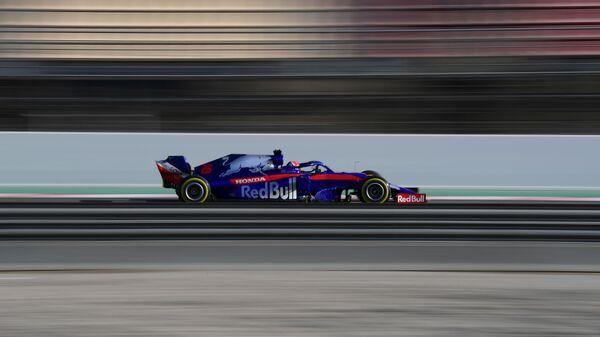 Гонщик команды Формулы-1 Торо Россо Даниил Квят