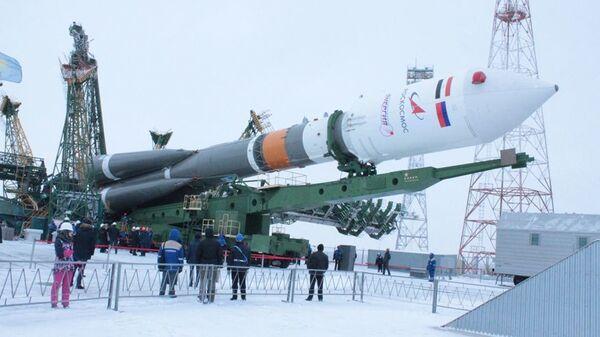 Предстартовая подготовка ракеты космического назначения со спутником Egyptsat-A
