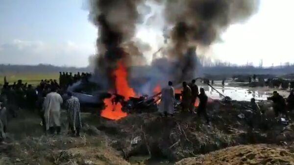 На месте падения самолета ВВС Индии в Пакистане