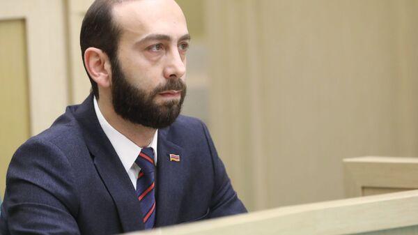 Спикер Национального Собрания Армении Арарат Мирзоян на заседании Совета Федерации РФ