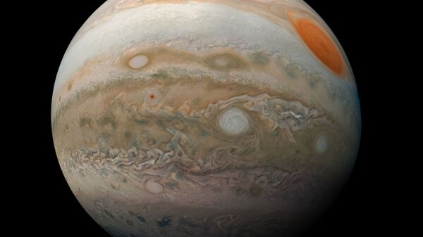 Cоставная фотография облаков южных широт Юпитера, снятая JunoCam с борта Juno. 25 февраля 2019 года