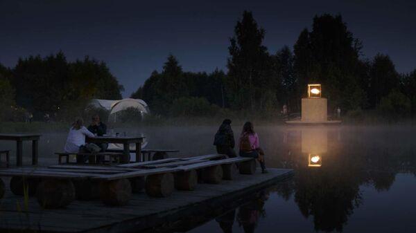 Дом с люстрой из арт-парка Никола-Ленивец (Калужская область) / AB CHVOYA