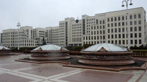 Дом правительства на площади Независимости в Минске