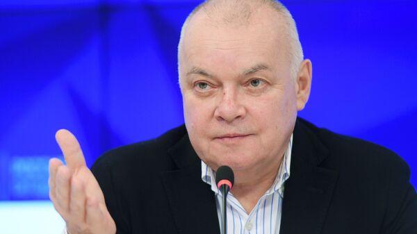 Генеральный директор МИА Россия сегодня Дмитрий Киселев на пресс-конференции