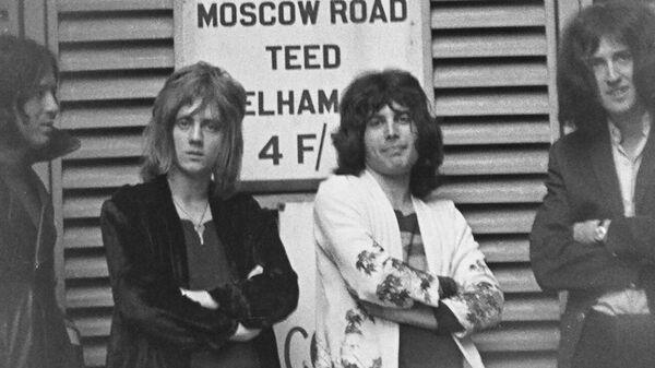 Майк Гроуз, Роджер Тейлор, Фредди Меркьюри и Брайан Мэй. 1970