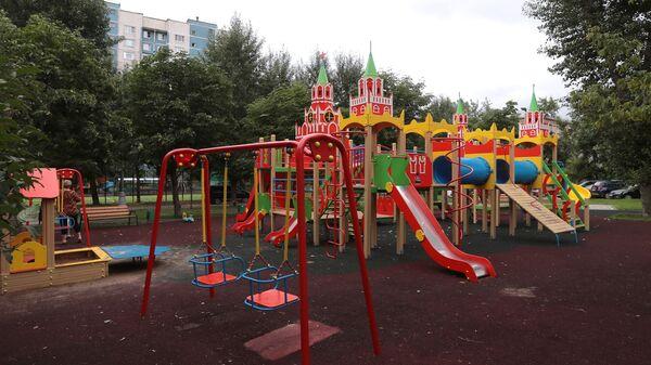 Детская игровая площадка на 3-ей улице Марьиной рощи рядом с домами 17 и 19 в Москве