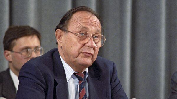 Министр иностранных дел ФРГ Ганс-Дитрих Геншер