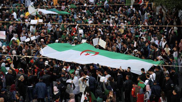 Акция протеста с требованием немедленных политических перемен в Алжире. 12 марта 2019