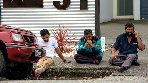 На месте стрельбы в мечети города Крайстчерч, Новая Зеландия