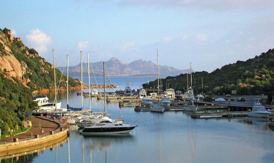Морская бухта на острове Сардиния