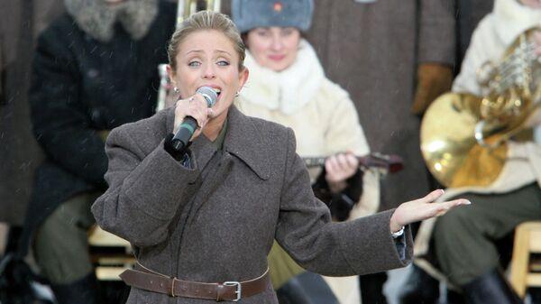Эстрадная певица Юлия Началова