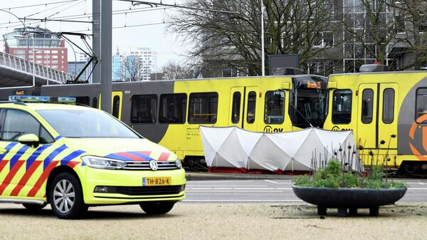 Полицейский автомобиль на месте стрельбы в Утрехте, Нидерланды. 18 марта 2019