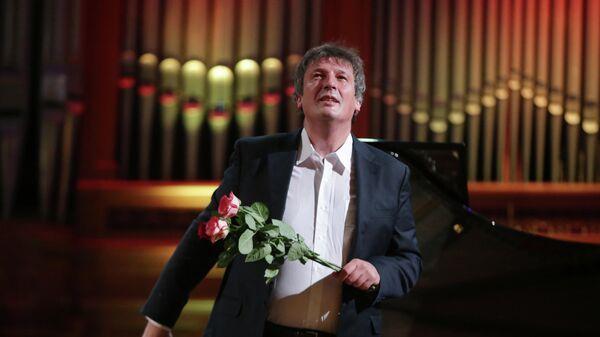 Пианист Борис Березовский на концерте
