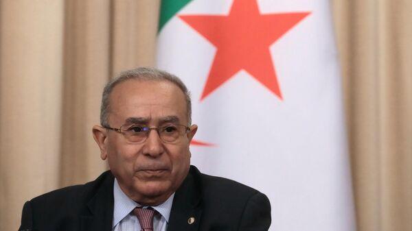 Дипломатический советник президента Алжира, госминистр Раматан Ламамра во время пресс-конференции по итогам встречи в Москве