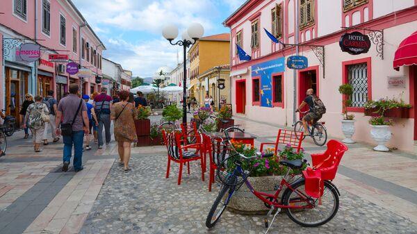 Пешеходная улица в городе Шкодер, Албания