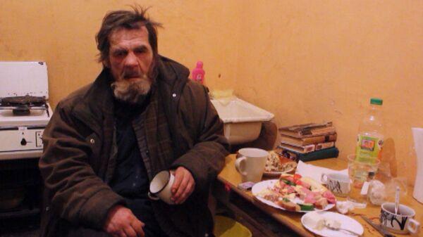 Добро побеждает зло: в Воронеже подростки помогают избитому пенсионеру