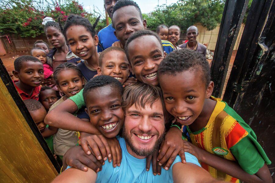 Танзания, с детьми где-то в глухой провинции. Июнь 2014 г.