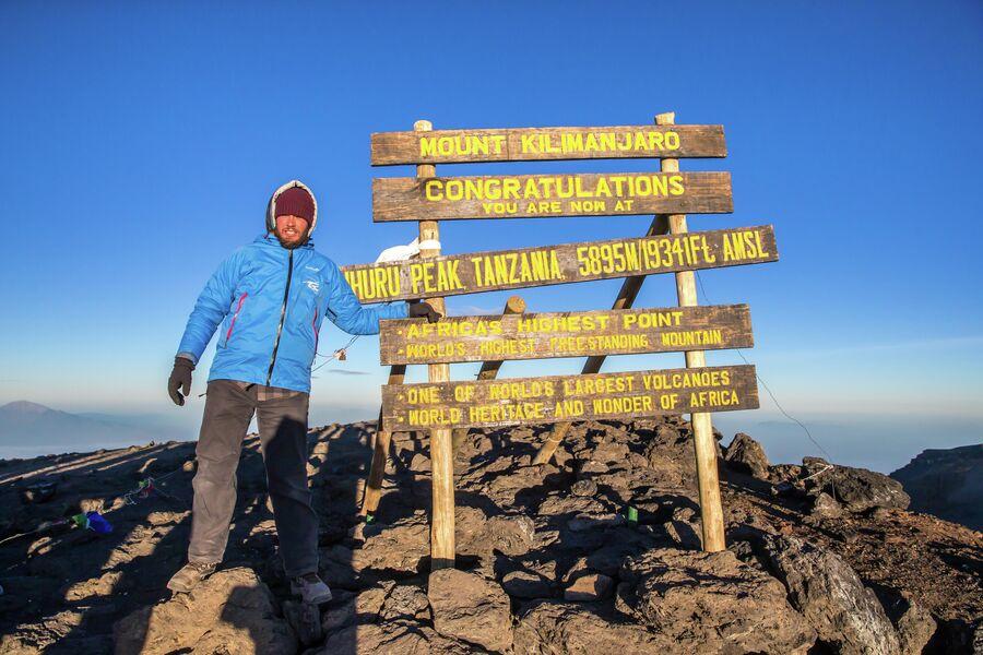 На вершине Килиманджаро, Танзания, февраль 2016