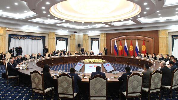 Владимир Путин во время российско-киргизских переговоров в Бишкеке. 28 марта 2019