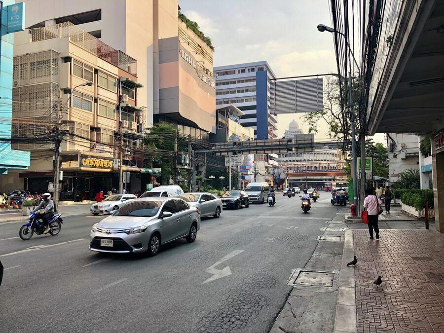 Одна из улиц Бангкока, Таиланд
