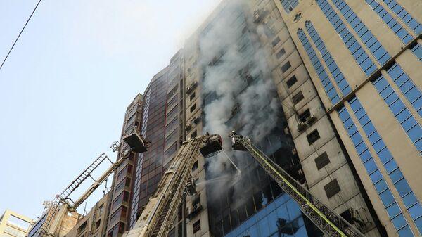 Пожар в небоскребе в столице Бангладеш Дакке. 28 марта 2019