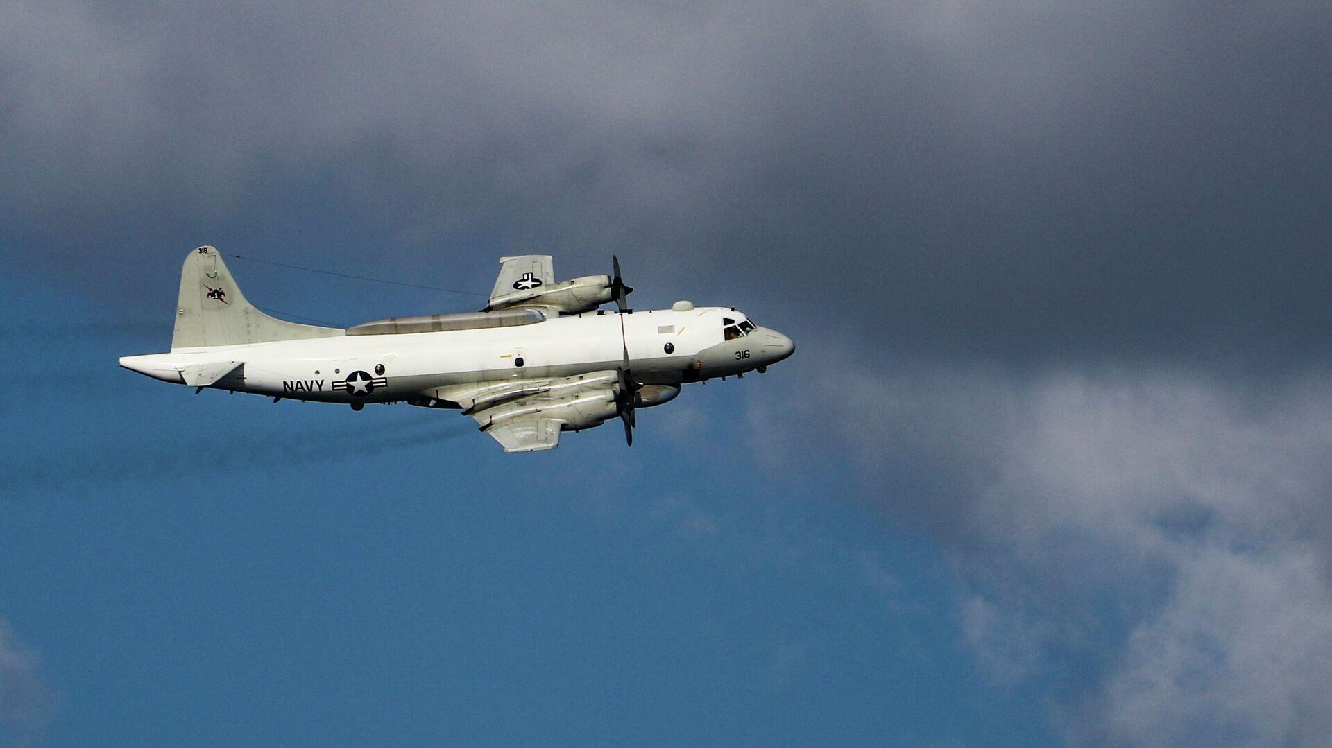 Минобороны показало видео сопровождения самолета ВВС США