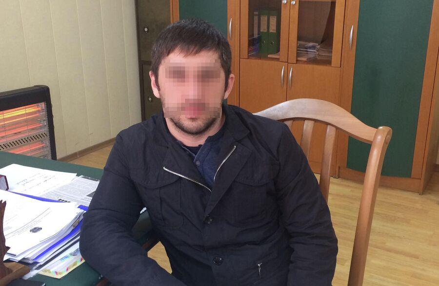Загид (имя изменено) воевал на стороне боевиков в Сирии, а теперь работает водителем в одной из местных организаций
